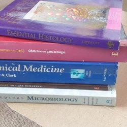 Diverse medische studieboeken